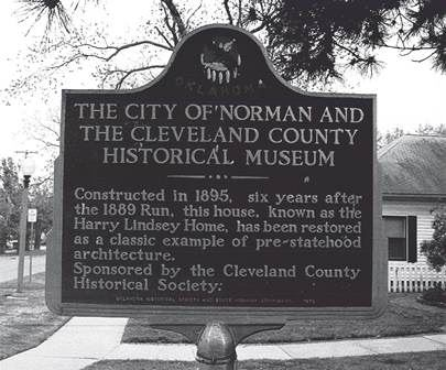 Moore Lindsay Museum Sign